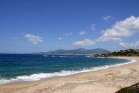 Der lange Sandstrand befindet sich in der gleichnamigen Bucht in der Nähe von Porticcio.