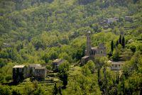 Die beeindruckende Landschaft grenzt an Ponte Leccia und Corte im Norden sowie an der Costa Verde im Osten Korsikas.