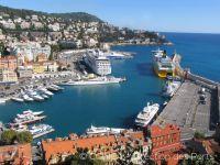 Blick auf den Fährhafen von Nizza