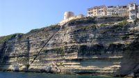 Laut Legende wurde die Treppe in nur einer Nacht von den Truppen des König von Aragorn in den Fels gehauen.