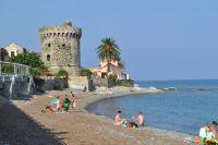 Der Strand liegt ein paar Kilometer nördlich von Bastia.