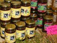 Konfitüren und Marmeladen aus Korsika gibt es in allen Geschmacksrichtungen, Größen, Farben und Formen