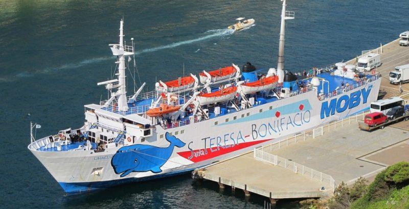 Korsika per Flugzeug oder Boot